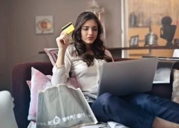 ¿Es mejor una tarjetas de crédito o débito para gestionar mi dinero?
